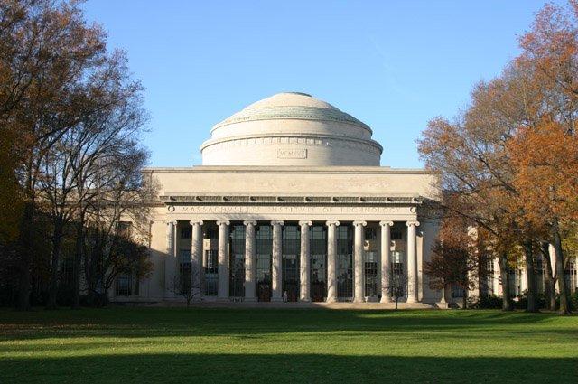 """MIT """"Daha İyi Bir Dünya Kampanyası"""" Başlattı!"""