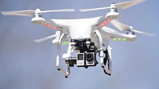 102937422-gettyimages-471367330-530x298 Drone'lar Posta Teslimatına Başlıyor!