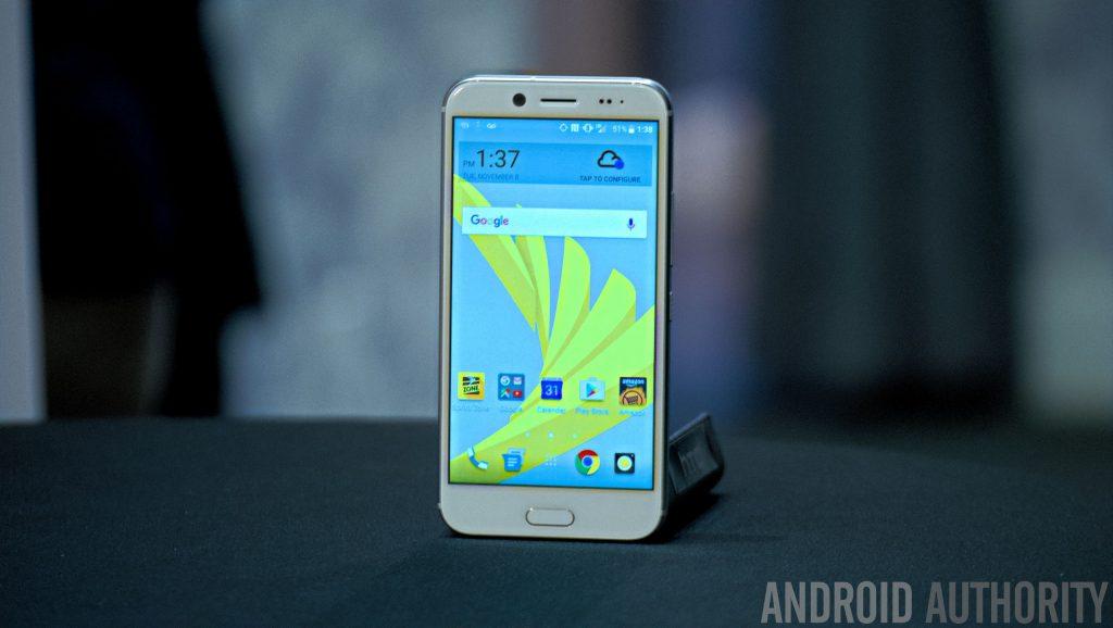 htc-bolt-hands-on-16-of-27 HTC 10 Evo Tanıtıldı! HTC 10 Evo Tanıtıldı! HTC Bolt hands on 16 of 27 1024x578