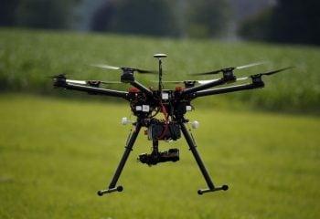 """Japon Çiftçinin Yeni Yardımcısı """"Drone"""" Olacak!"""