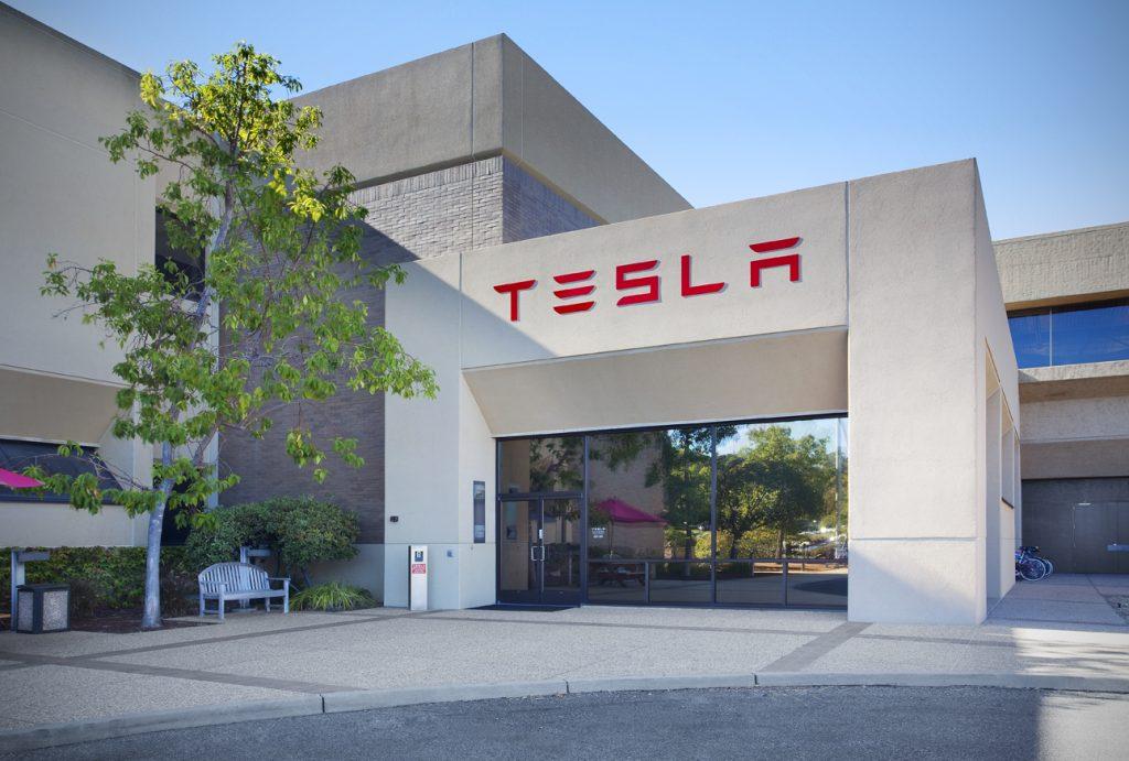 tesla-motors-office Tesla Uzun Ömürlü Güneş Panelleri Üretecek! Tesla Uzun Ömürlü Güneş Panelleri Üretecek! Tesla Motors Office 1024x691