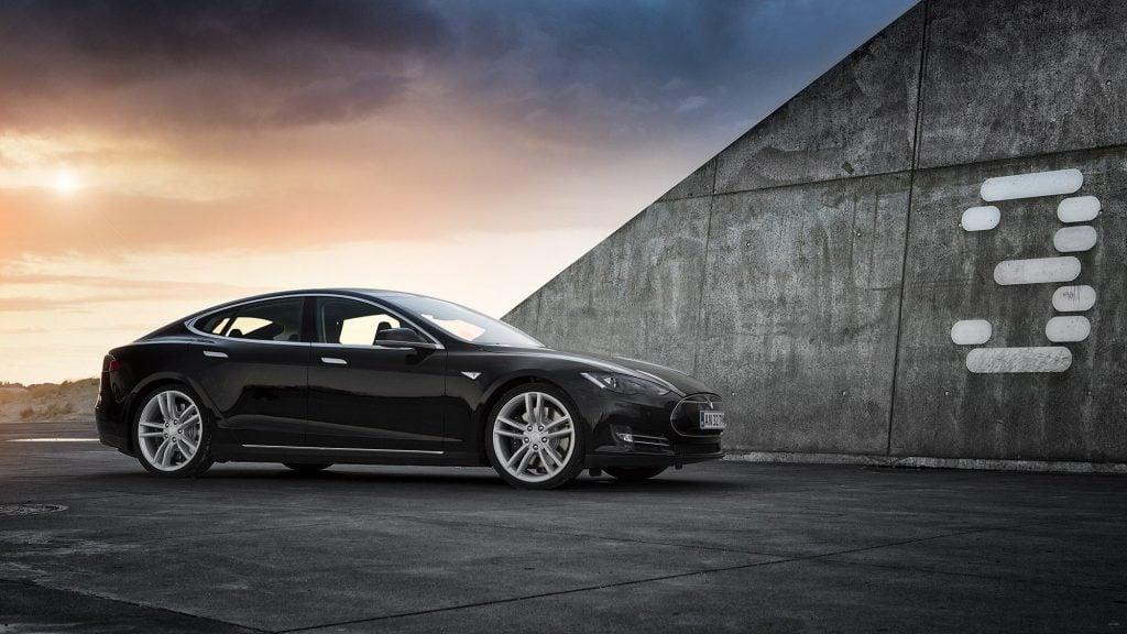 Tesla Model 3 Yenilikler İle Geliyor!