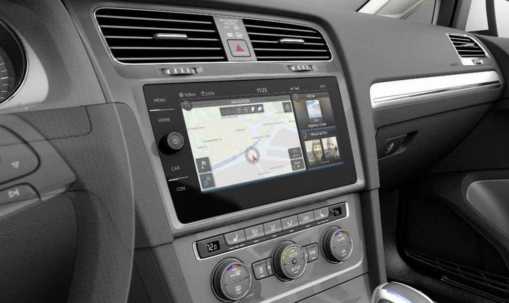 e-golf_touch_blog-a2 Volkswagen E-Golf İle Elektrikli Otomobil Sektörüne Girdi! Volkswagen E-Golf İle Elektrikli Otomobil Sektörüne Girdi! e golf touch blog A2 1024x610
