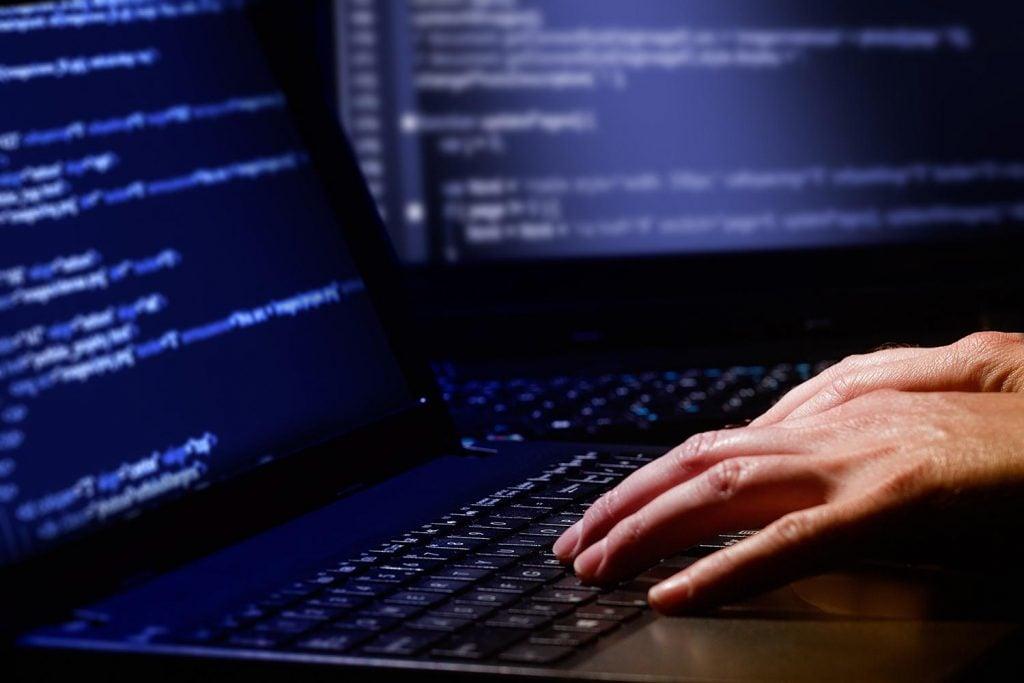 Hackerlar Hatıralarımızı Çalıyor! Hackerlar Hatıralarımızı Çalıyor! Hackerlar Hatıralarımızı Çalıyor! hacker keyboard 1024x683
