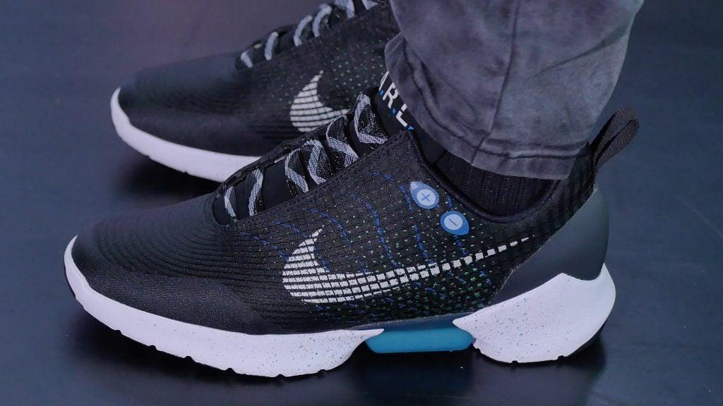 maxresdefault Nike Spor Ayakkabı İle Bağcık Bağlama Derdine Son! Nike Spor Ayakkabı İle Bağcık Bağlama Derdine Son! maxresdefault 5 1024x576