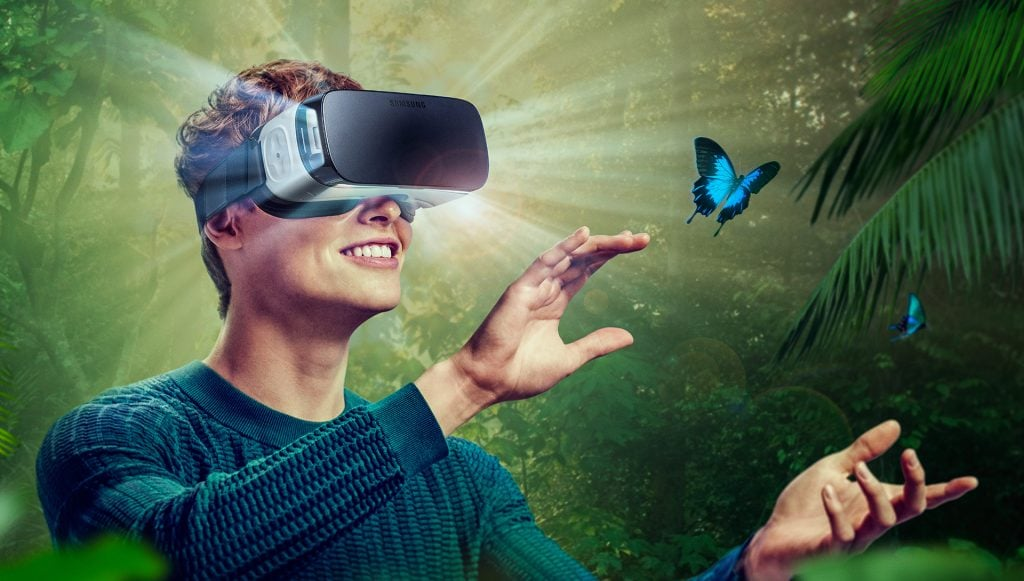samsung-gozluk Samsung, Gear VR Kullanıcılarına Gamepad Üretecek Samsung, Gear VR Kullanıcılarına Gamepad Üretecek samsung gozluk 1024x581