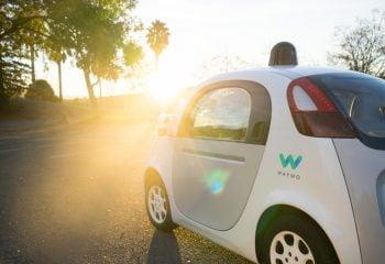 """Yeni Sürücüsüz Otomobil Markası """"Waymo"""""""
