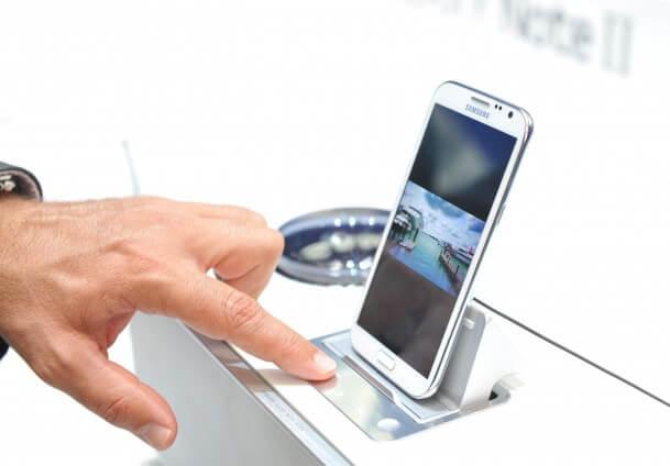 Akıllı Telefonlar İle İnternet Fırtınası! Akıllı Telefonlar İle İnternet Fırtınası! 1434