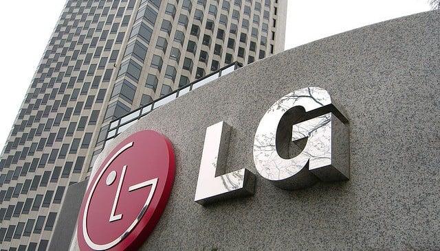 LG Katlanabilir Telefon Patenti Aldı! LG Katlanabilir Telefon Patenti Aldı! South Korean electronics company