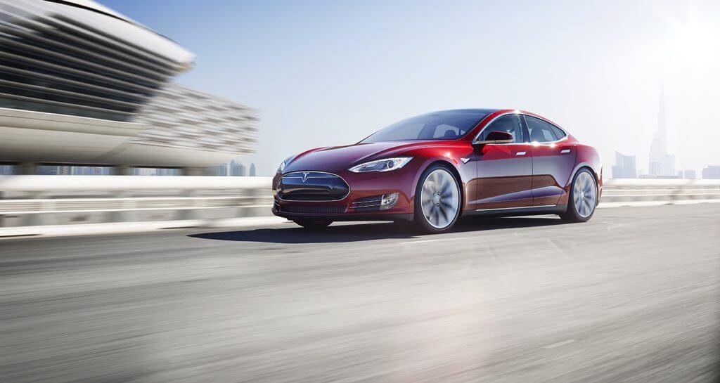 Apple'ın Mühendisi Tesla'ya Geçince Mücadelenin Seviyesi Yükseldi! Apple'ın Mühendisi Tesla'ya Geçince Mücadelenin Seviyesi Yükseldi! red tesla model s