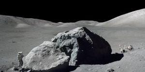 Ay'a Son Adım Atan Astronot Öldü