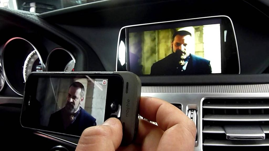 iPhone CarPlay iPhone'u arabaya bağlama iPhone'u Arabaya Bağlama Sorununa Çözüm iphone carplay 1024x576