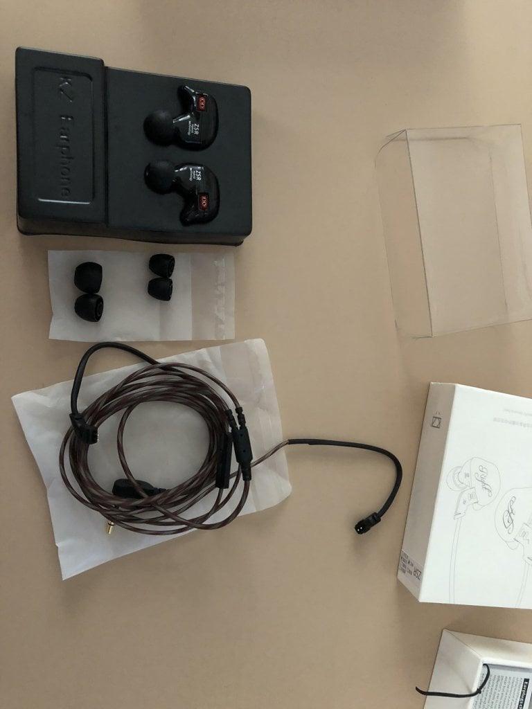 KZ ZSR Hybrid HiFi Kulaklık Kutu İçeriği kz zsr hybrid hifi kulaklık GearBest'ten Aldığım KZ ZSR Hybrid HiFi Kulaklık İnceleme IMG 1652 768x1024