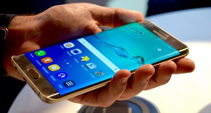 Samsung-Galaxy-S7-Edge-vs.-Galaxy-S6-Edge Samsung Galaxy S7 İçin İlginç Karar! Samsung Galaxy S7 İçin İlginç Karar! Samsung Galaxy S7 Edge vs