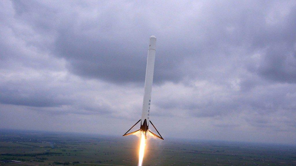 SpaceX, Falcon 9'u Okyanus Üzerine İndirmeyi Başardı! spacex, falcon 9'u okyanus Üzerine İndirmeyi başardı! SpaceX, Falcon 9'u Okyanus Üzerine İndirmeyi Başardı! drone footage of falcon 9 rocket 1024x576 1024x576