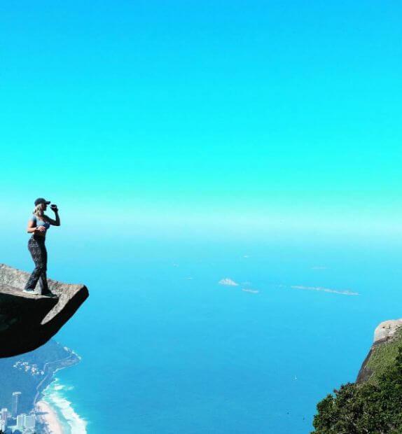 dunyanin-en-tehlikeli-selfie-noktasindan-20-kare_42663_b dünyanın en tehlikeli selfieleri En Tehlikeli Noktada Selfie Çekmeyim Derken… dunyanin en tehlikeli selfie noktasindan 20 kare 42663 b