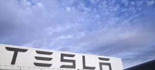 Tesla Binlerce Ev Ve Araba İçin Elektrik Üretecek!