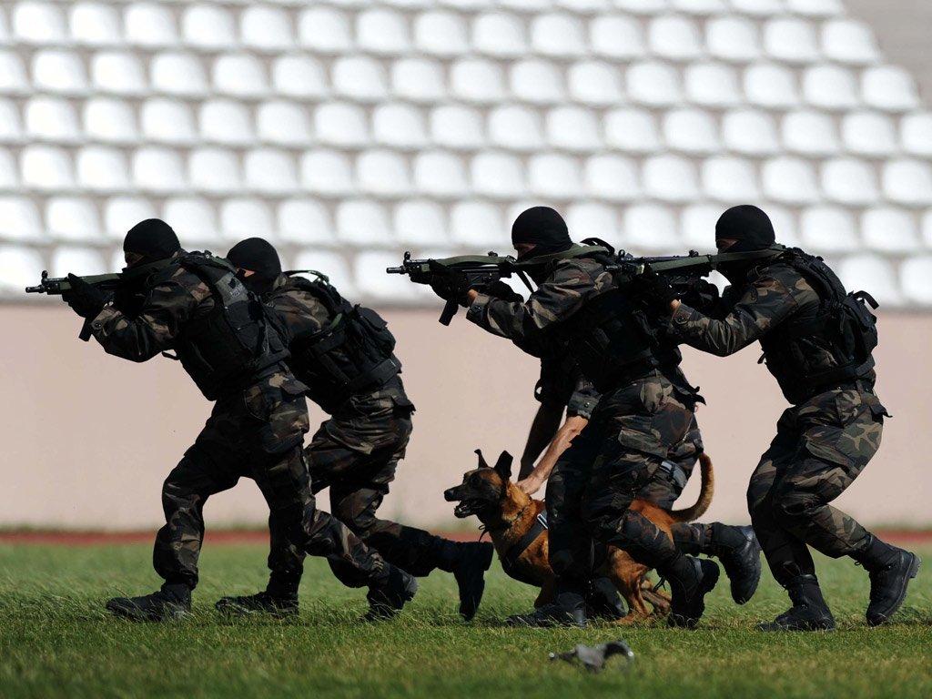 KPSS'siz Özel Harekatçı Olma Şartları Lise Mezunu Özel Harekat Polisi Alımında Askerlik Şartı Kalktı Lise Mezunu Özel Harekat Polisi Alımında Askerlik Şartı Kalktı s 8b931aa6f750d4b7eed1badf2b9e0cb6674efbd3