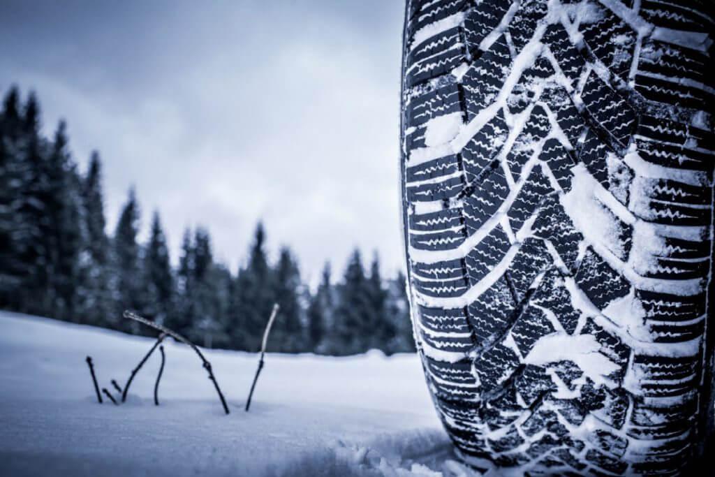 Kış Lastiği Uygulamasının Önemi! Kış Lastiği Uygulamasının Önemi! snow tire