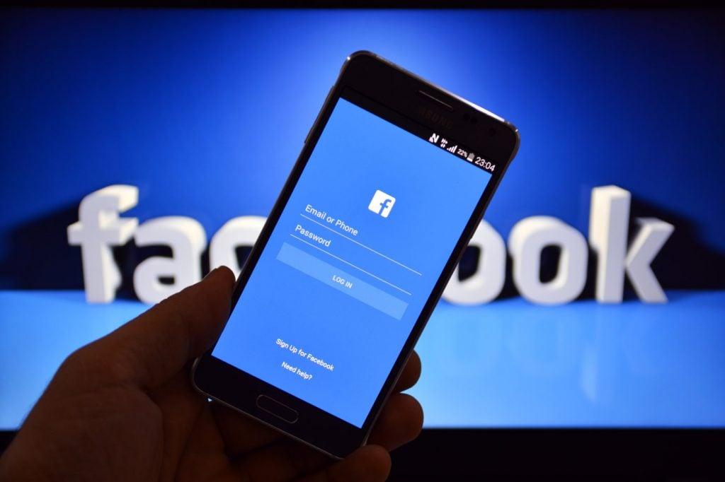 stock-photo-march-istanbul-turkey-facebook-user-login-screen-the-number-of-active-mobile-users-262739564 facebook'ta bir güvenlik açığı daha! Facebook'ta Bir Güvenlik Açığı Daha! stock photo march istanbul turkey facebook user login screen the number of active mobile users 262739564 1024x682