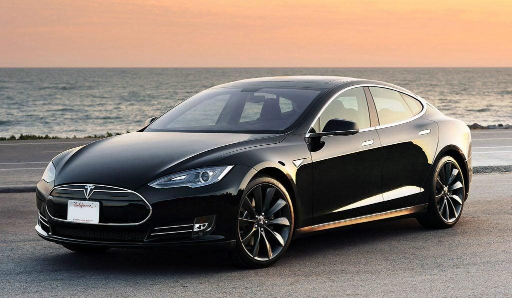 tesla-model-s elektrikli otomobillerde kablosuz Şarj dönemi Elektrikli Otomobillerde Kablosuz Şarj Dönemi tesla model s 1024x597